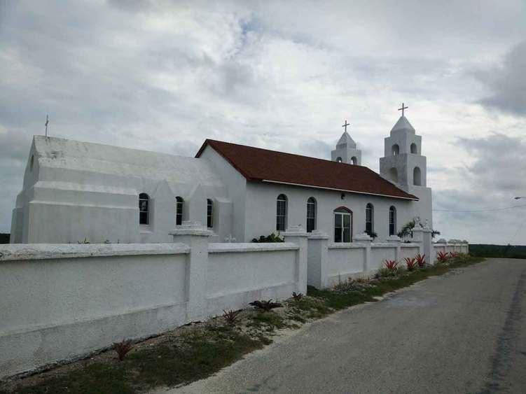 L'église anglicane de Clarence Town sur Long Island aux Bahamas.