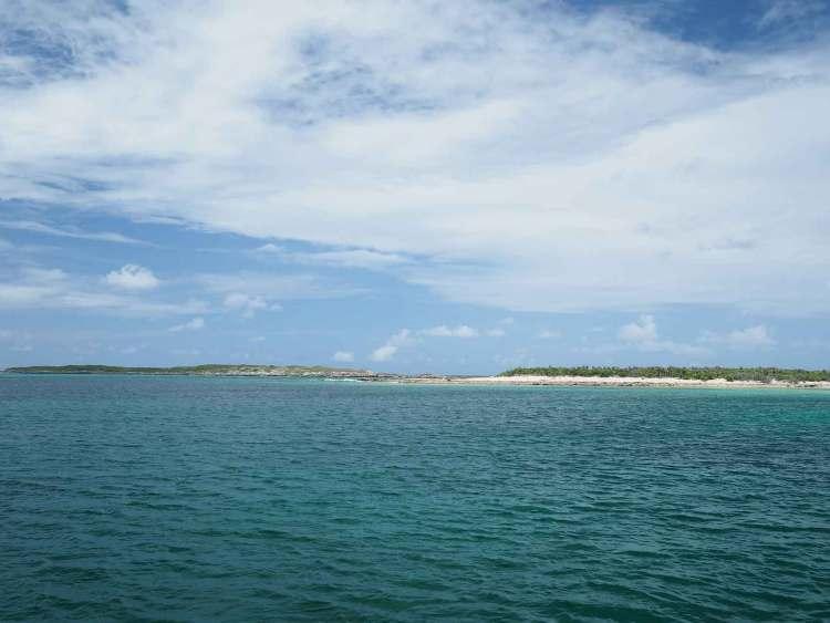 Passe pour entrer dans le mouillage de Little Harbour sur Long Island, aux Bahamas.