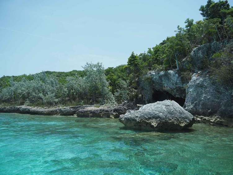 La magnifique côte de Big Major's Spot aux Exumas, Bahamas.