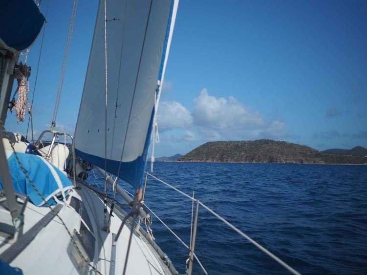 Navigation au près au large de Tortola, aux British Virgin Islands.
