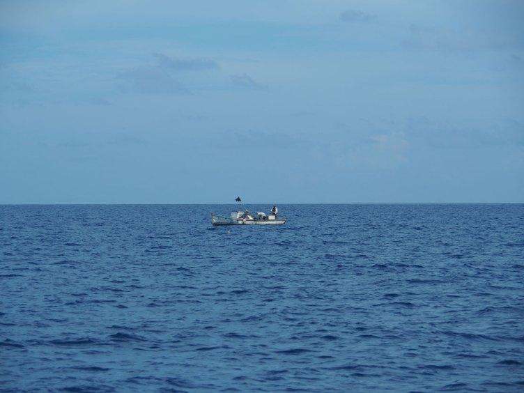 Barque de pêcheurs au large de La Havane à Cuba.