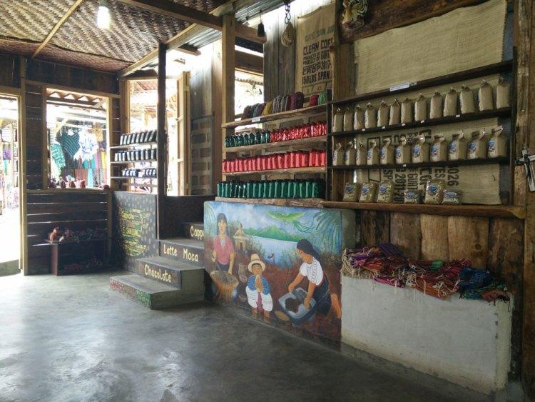 Café sur San Juan La Laguna, sur le lac Atitlán.