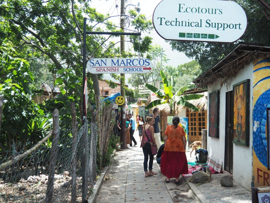 Le village de San Marcos La Laguna, sur le lac Atitlán, au Guatemala.