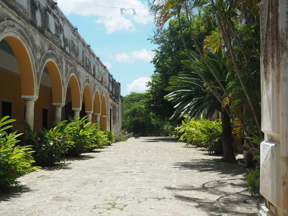 Cour intérieure de l'hacienda Yaxcopoil au sud de Mérida.