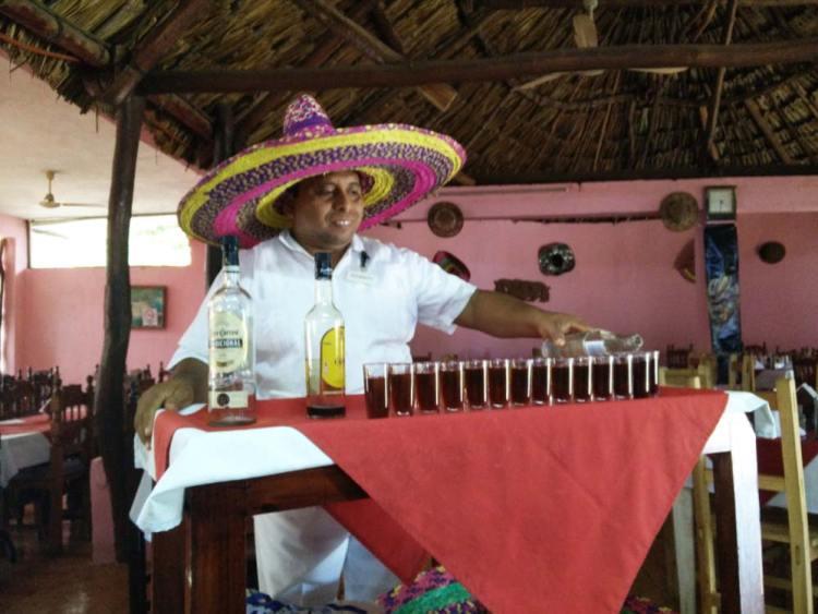 Cocktail Curacacha au Mexique.