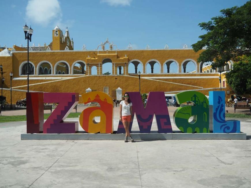 Les jolies lettres colorées de la petite ville d'Izamal.