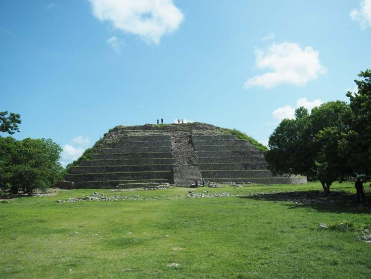 La pyramide Kinich Kakmo à Izamal.