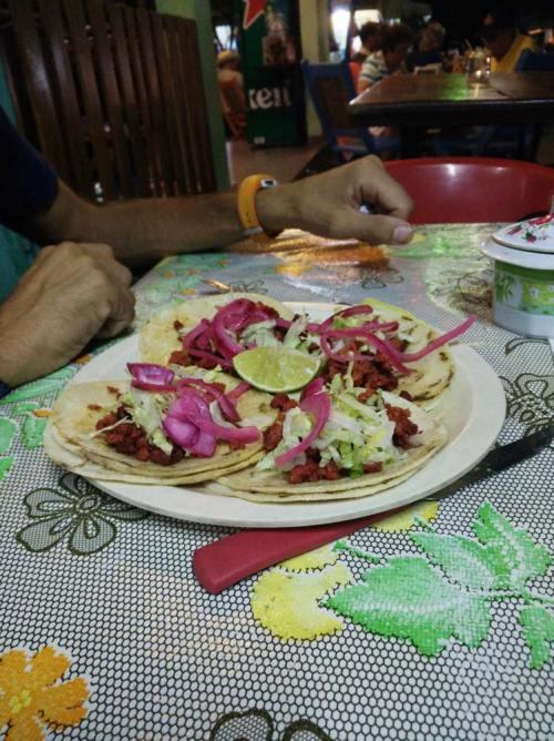 Tacos mexicains mangés à Palenque.