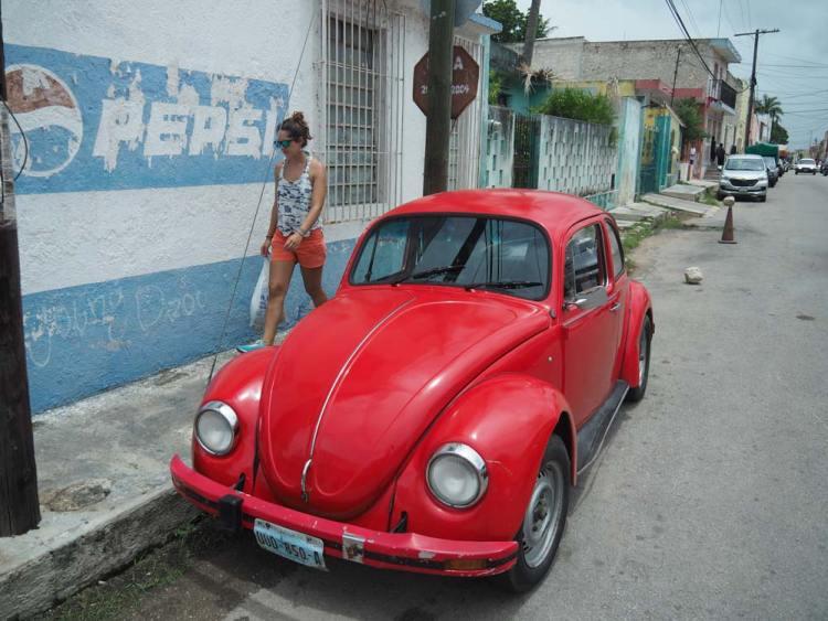 Coccinelle dans les rues de Valladolid, au Mexique.