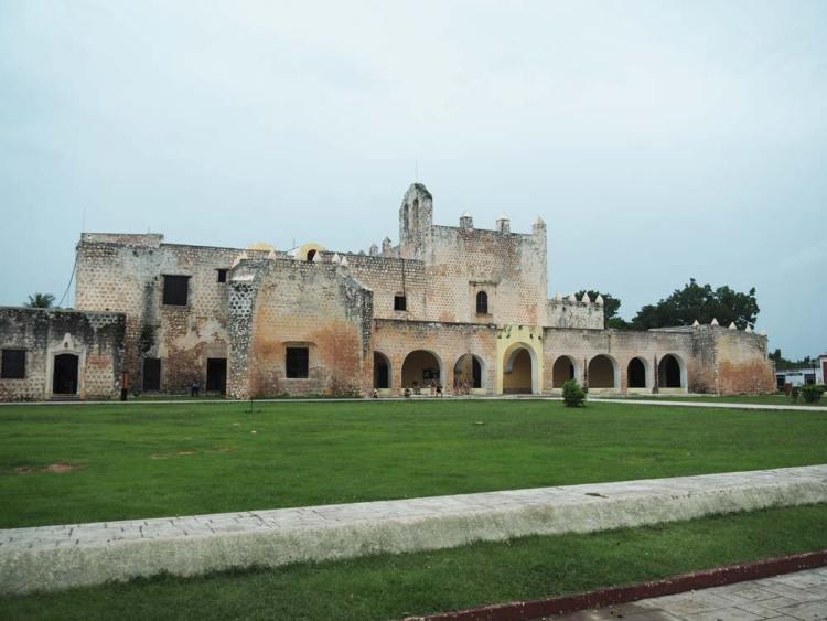 Le couvent de San Bernardino de Siena à Valladolid, au Mexique.