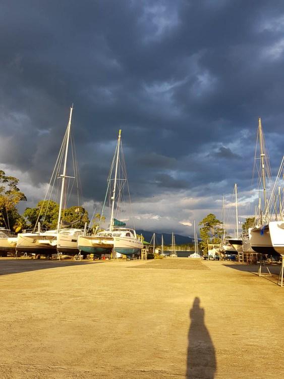 Le chantier à sec de la marina Nana Juana, au Guatemala.