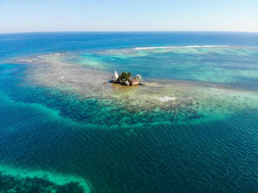 Maison en forme de coquillage sur Tom Owens Cay au Bélize.