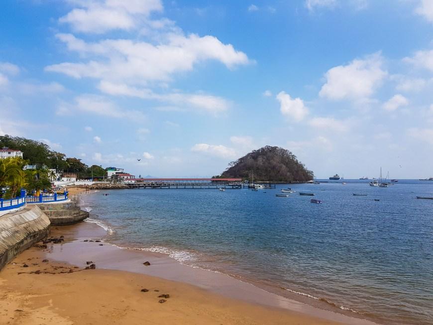 Mouillage sous l'île de Taboga Island, face à Panama City.