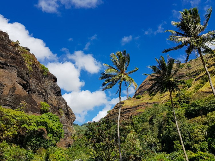 La vallée de Hanavave sur l'île de Fatu Hiva aux Marquises.