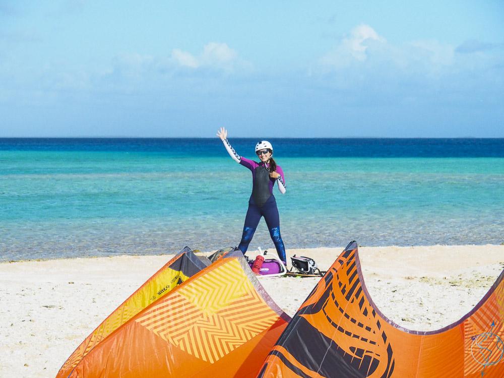 Aile de kite de 10m² prête pour naviguer à Raroia.