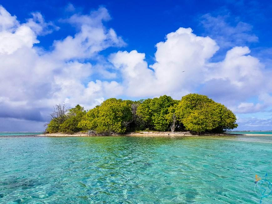 Motu du radeau Kon-Tiki à Raroia aux Tuamotu.