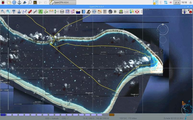 Traces de navigation par vue satellite à Makemo.