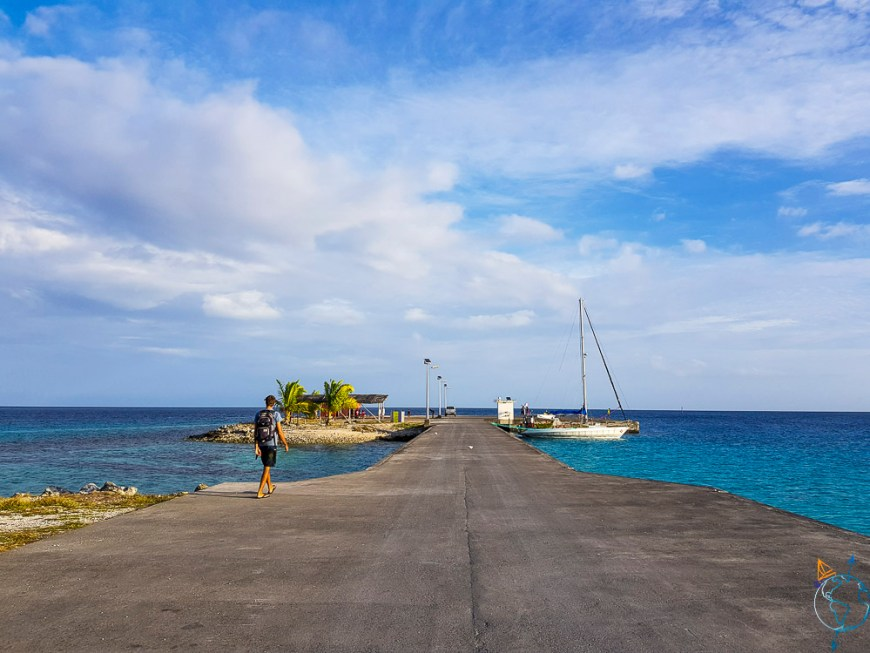 Le quai du village de Makemo, pour accueillir voiliers et cargos.