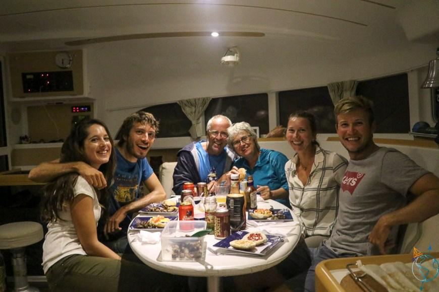 Repas du 4 juillet sur le catamaran Wapiti avec Alaia.