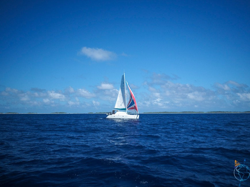 Le catamaran Wapiti qui navigue entre Makemo et Fakarava.