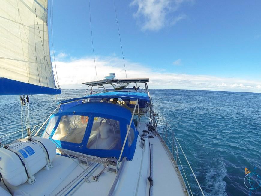 Entrée dans la passe de l'atoll de Toau.
