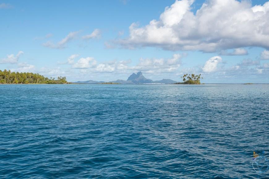 Vue sur Bora Bora depuis le mouillage du motu Tautau à Taha'a.