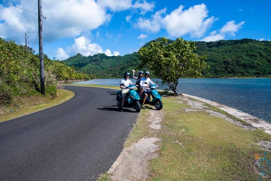 Nos scooters de location pour faire le tour de l'île de Huahine.