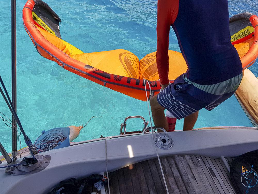 On gonfle son aile facilement au dessus de l'eau