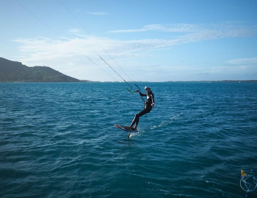 Kitesurf et kitefoil sur le lagon.