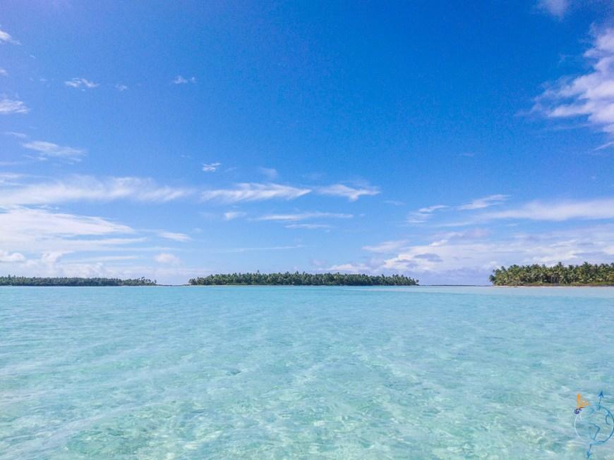 Motu au nord de Maupiti sur la barrière de corail.