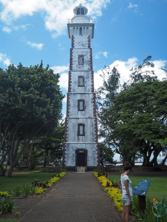 Le phare blanc de la pointe de Vénus sur l'île de Tahiti.