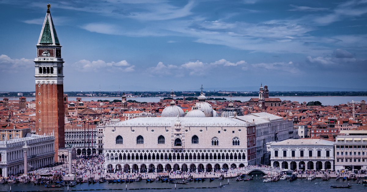 "<b style=""color: darkslategray"">Special Tour:</b><br><b>Venice, Italy</b> 8"