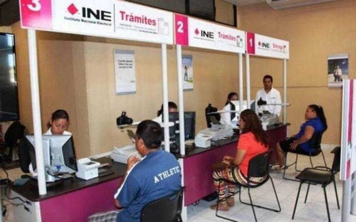 Ofrecen credenciales del INE falsas en Manzanillo