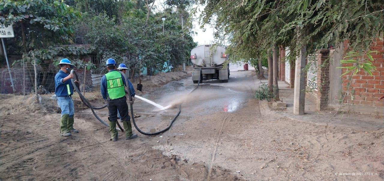Peña Colorada limpia y rehabilita zona afectada por falla en ferroducto