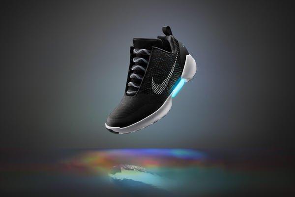 Nike Self Leasing Shoe