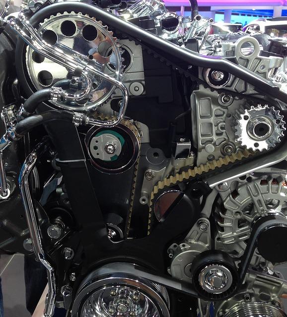 A frente de um motor é onde ficam as polias e correias