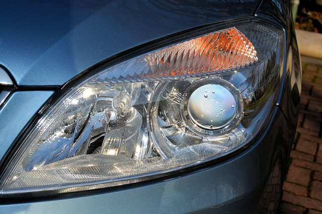 car-headlights-235729_640