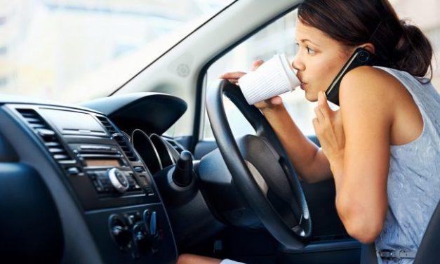 Tecnologia e o celular: um perigo a mais ao dirigir