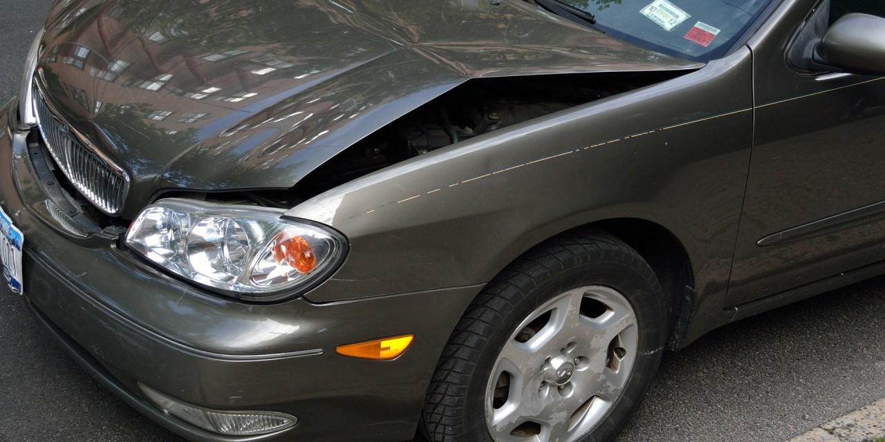 """<span class=""""entry-title-primary"""">3 dicas de seguros de carro para um bom negócio</span> <span class=""""entry-subtitle"""">Aprenda um pouco mais sobre seguros de automóveis</span>"""