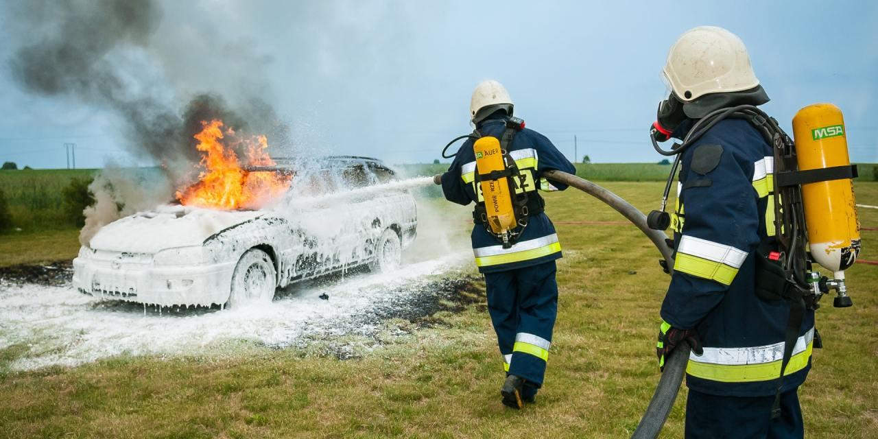 """<span class=""""entry-title-primary"""">Incêndio em carros – Como prevenir?</span> <span class=""""entry-subtitle"""">Dicas para seu carro não pegar fogo!</span>"""