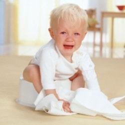 Что делать, если ребенок боится садиться на горшок?