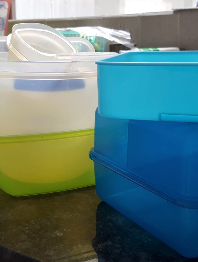 10 Tips To Read Before You Buy Another Plastic Food Storage Container | KItchen Tips | Tips for buying plastic | Healthy choices in the kitchen | MapleandMarigold.com