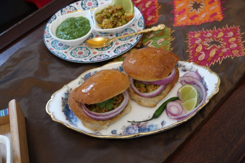 Turkey Keema Pao | Indian-inspired sliders with ground turkey and peas curry | Make-ahead holiday appetizers | Prep-ahead appies | MapleandMarigold.com