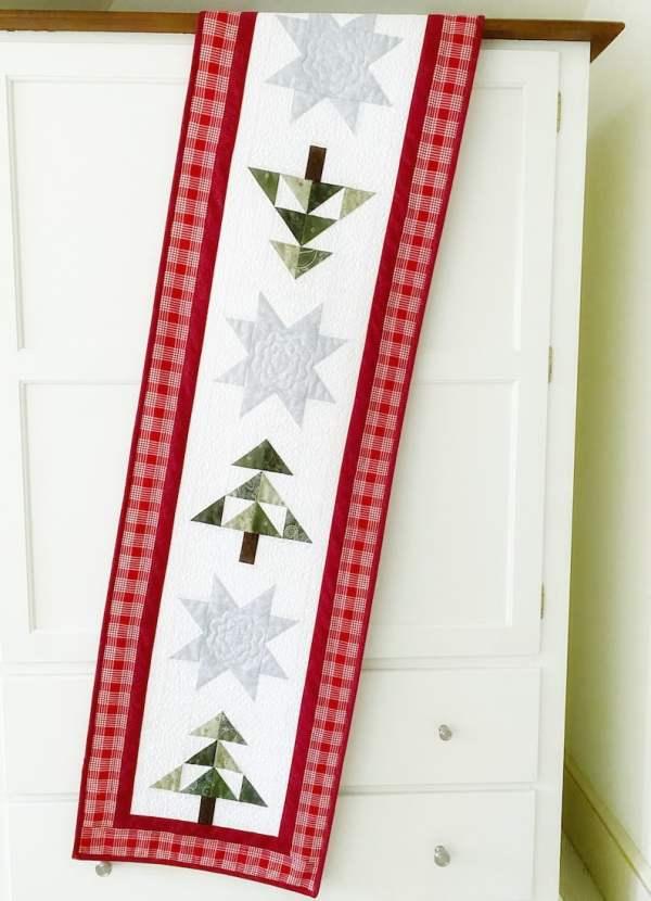 Christmas table runner pattern pic 3
