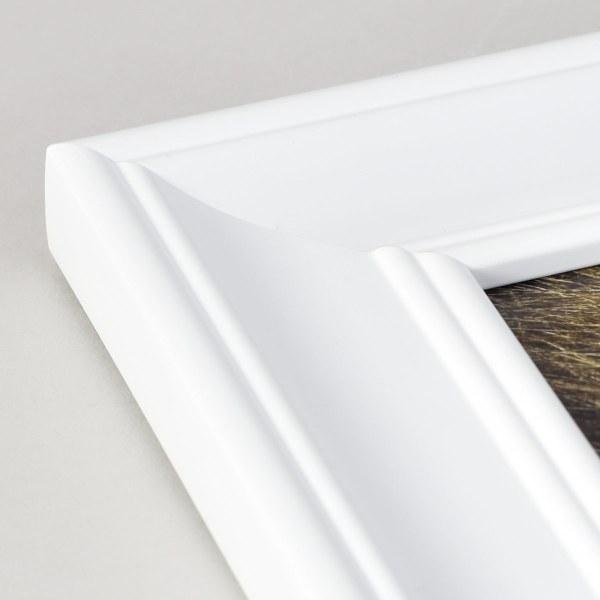 Fraya 46 white frame corner