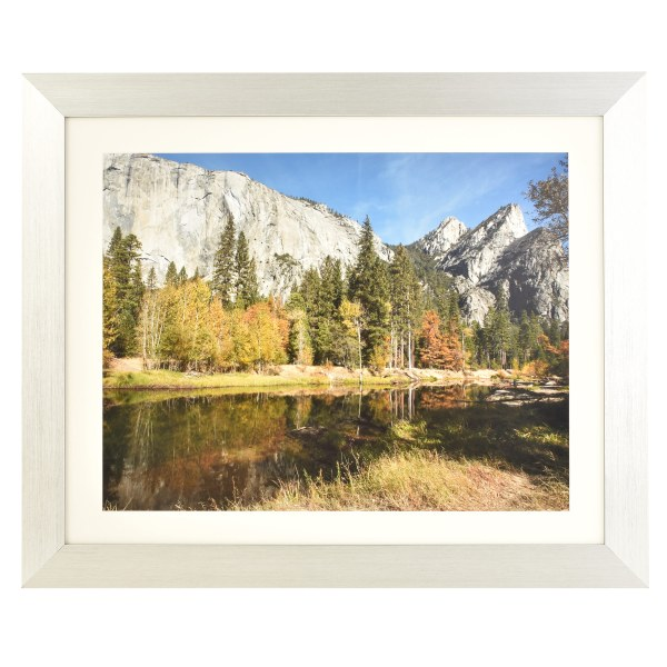 Freestyle silver picture frame with mount