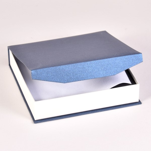 Bliss 2 print box in blue/white