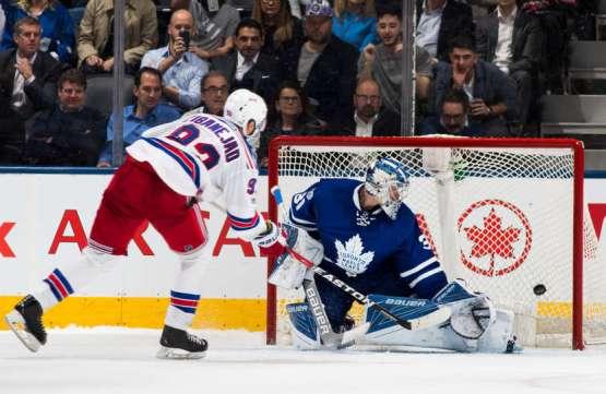 Trápení v nájezdech pokračuje. Leafs prohráli s Rangers