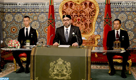 جلالة الملك يوجه خطابا ساميا إلى الأمة بمناسبة الذكرى 43 للمسيرة الخضراء