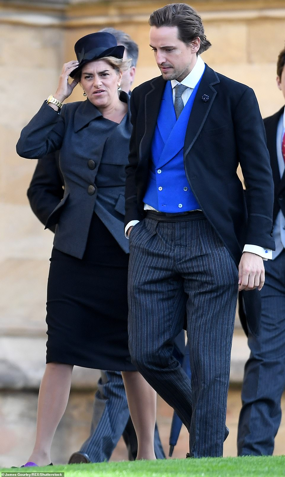 4981114-6268613-Tracey_Emin_arrives_for_the_wedding_of_Eugenie_and_Jack_at_Winds-m-24_1539334664629